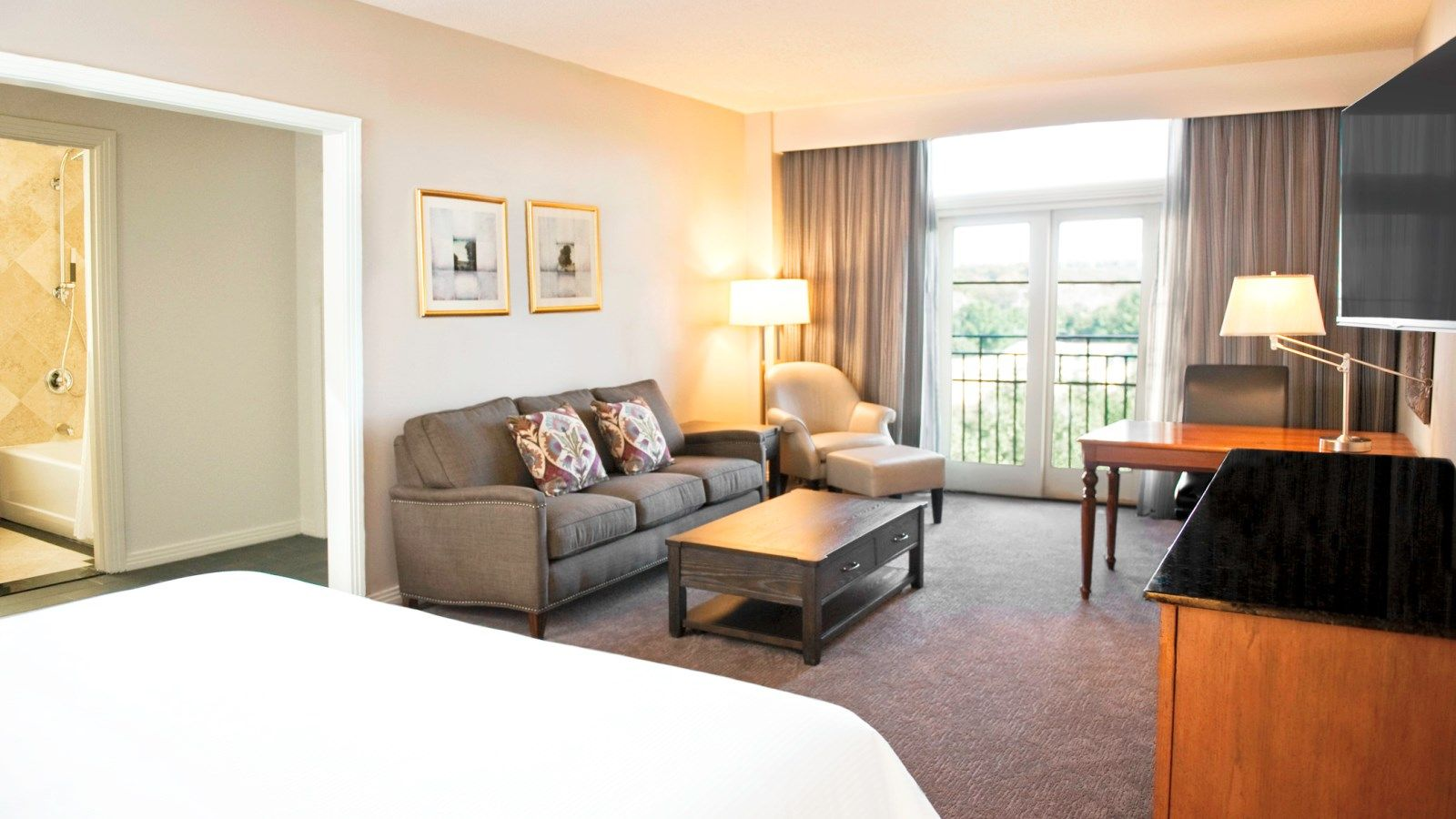 Frisco Accommodation - Executive King Room - The Westin Stonebriar Hotel and Golf Club